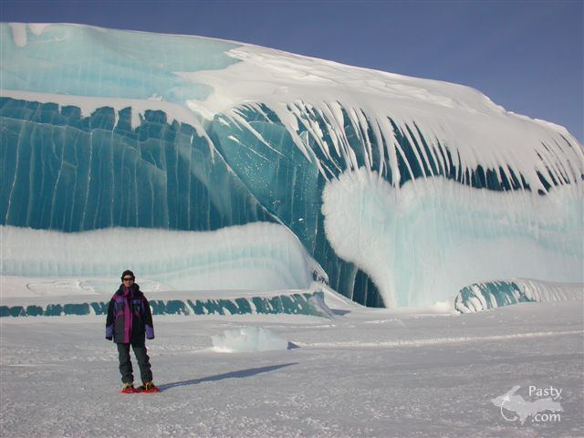 Giant ice wave