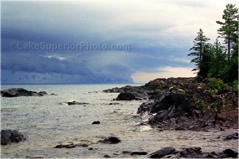 http://pasty.com/pcam/album/albux96/eagle_harbor_storm_front.jpg