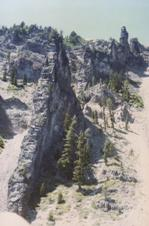 Devil's Backbone on the wall of Crater Lake