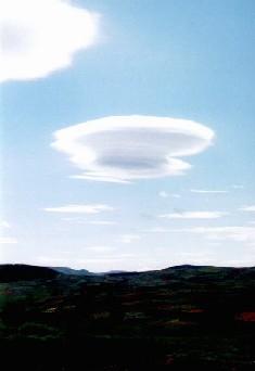 lenticular_cloud