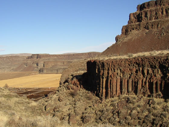 basalt-columbia-river