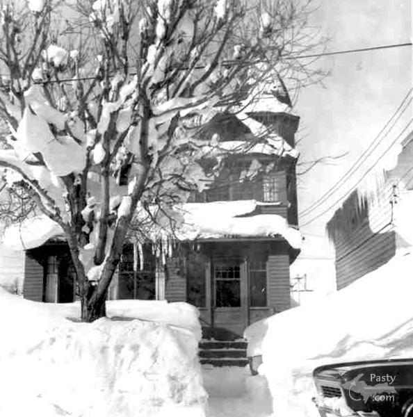 Same house back in the early 60's