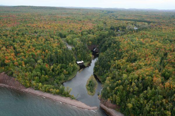 Montreal River border