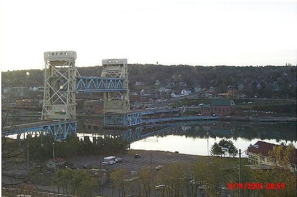 Da Bridge is UP