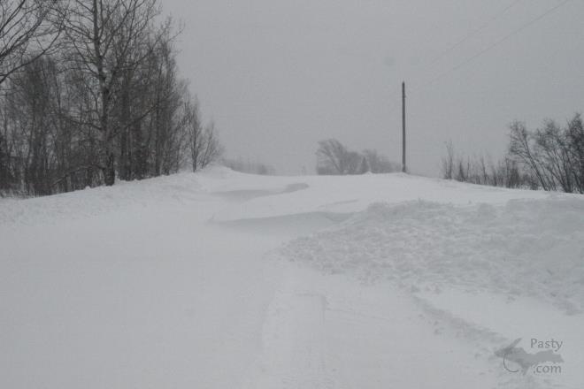 M <BR>ore  <BR>snow...